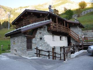 Comfortable Apartment with Wireless Internet and Television - Valtournenche vacation rentals