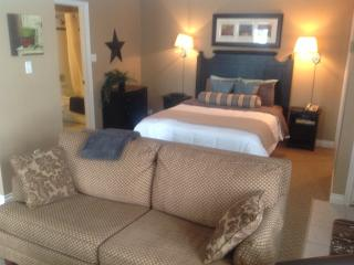 Cozy Condo at Base of Blue Mountain - Blue Mountains vacation rentals
