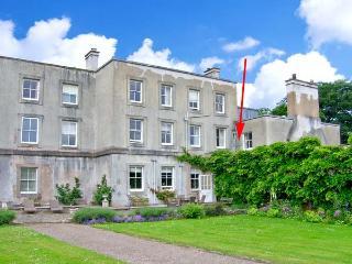 COOK'S FLAT, second floor apartment, romantic retreat, open fire, on 1000 acre estate, near Wrexham, Ref 19835 - Wrexham vacation rentals