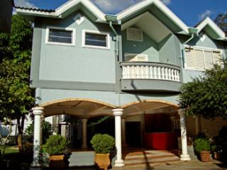 Nice Cottage with Internet Access and A/C - Ribeirao Preto vacation rentals