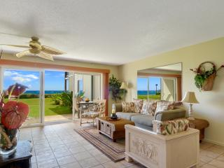 Ocean front corner unit 2bed/2ba Pono Kai wifi - Kapaa vacation rentals