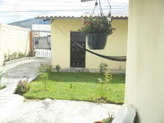 Room 15 minutes far from new airport - Quito vacation rentals