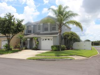 4 bedroom Sun Bay Villa  with Private pool - Orlando vacation rentals