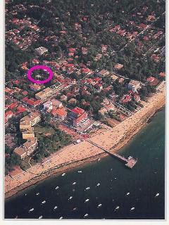 Air view, pink circle around Villa Surprise - 9 p. comfortable villa, beach at walking distance - Arcachon - rentals