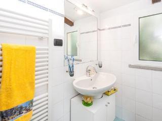 1 Bedroom Florentine Rental in Galliano, Tuscany - Gagliano vacation rentals