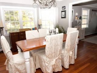 Lovely, spacious cottage near Craigville Beach - Centerville vacation rentals