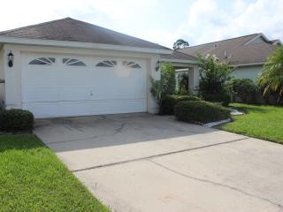 3 Bedroom  Creekside Villa with pool . - Kissimmee vacation rentals