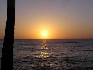 SPECIAL: $99/night 11-18 to 12/13/16. SLEEPS 4! Affordable Comfortable A/C - Lahaina vacation rentals