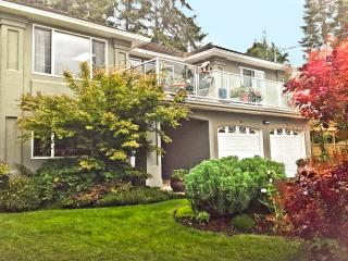 TREE ISLAND B&B SUNRISE ROOM -View Ocean & Eagles - Courtenay vacation rentals
