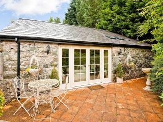 Gorgeous House with Garden and Short Breaks Allowed - Garndolbenmaen vacation rentals