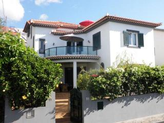 Villa Dragoeiro - Harbour views | Garden | Wi-Fi - Funchal vacation rentals