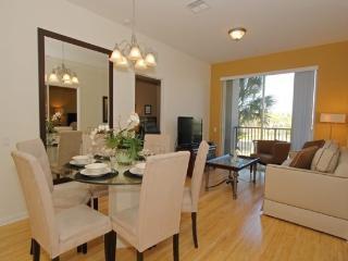 3 Bedroom Vista Cay Condo. 4114BD-206 - Orlando vacation rentals