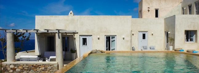 Spacious Villa with Television and DVD Player - Aggelika vacation rentals
