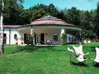 Spacious 6 bedroom Dormelletto Villa with Internet Access - Dormelletto vacation rentals