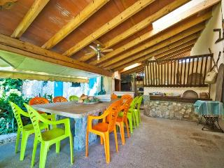 Bright House in Binissalem with Private Outdoor Pool, sleeps 8 - Binissalem vacation rentals