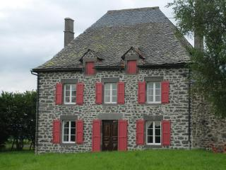 Charming renovated old  family house for 6 to 8 - La Bourboule vacation rentals