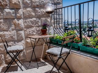 Sunny and peacfull in Jerusalem - Jerusalem vacation rentals