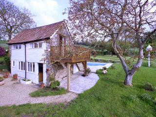 SHILLINGS COTTAGE, Hemyock, Devon. - Hemyock vacation rentals