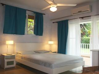 Nice 2brd condo just 2 min walk from the beach - Cabarete vacation rentals