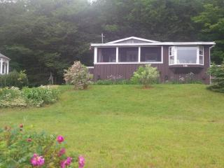 Charming Lake-view Cottage 25 min from Truro - Truro vacation rentals
