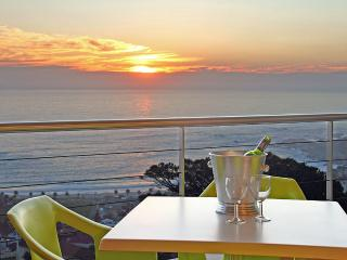 Prima Penthouse, 2 Bedroom, Camps Bay - Vredehoek vacation rentals