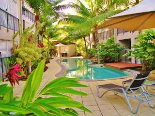 Trinity Beach holiday apartment & $50 voucher - Trinity Beach vacation rentals