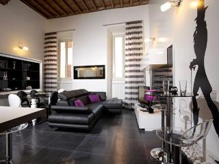 Stylish 3 bedrooms apartment - Spanish Steps - Pantheon - Rome vacation rentals