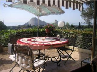 Garden apartment with panoramic sea view - Nice vacation rentals