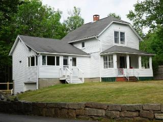 Charming 3 bedroom House in Seal Harbor - Seal Harbor vacation rentals