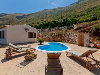 Villa Giove - Castellammare del Golfo vacation rentals