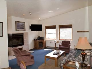 Cute, Top-Floor Corner Unit - Close to Downtown (1235) - Ketchum vacation rentals