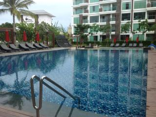 Nice Condo with Internet Access and A/C - Nong Na Kham vacation rentals