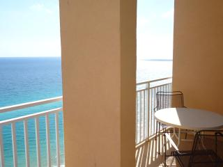FALL DEALS! HUGE SPACIOUS GULF FRONT ROOM! 2104E - Panama City Beach vacation rentals