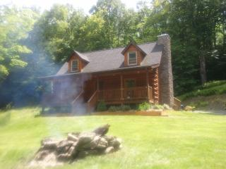 Log home close to all shopping and casinos - Monticello vacation rentals
