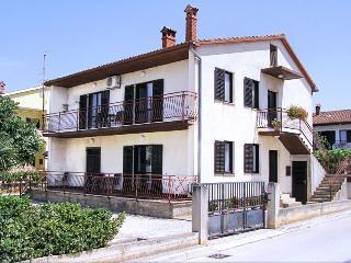 Apartment Ana with big terrace - Pula vacation rentals