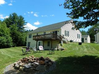 White Mountain Contemporary Vacation Home Sleeping up to 11 Guests!  (MAR38M) - White Mountains vacation rentals