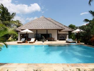 Villa Agus Mas: private beach villa Lovina - Lovina vacation rentals