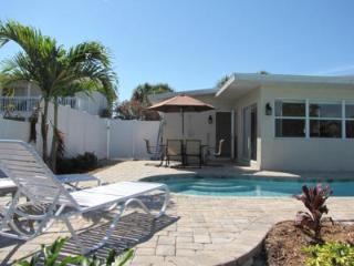 Perfect 2 bedroom Anna Maria House with Internet Access - Anna Maria vacation rentals