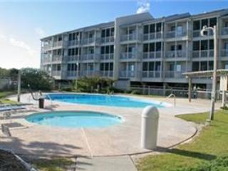 Wonderful 3 bedroom Apartment in Atlantic Beach with Shared Outdoor Pool - Atlantic Beach vacation rentals