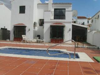 Beautiful Villa with Internet Access and Mountain Views - Vinuela vacation rentals