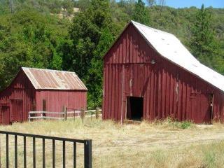 Stoney Creek Inn and Vineyards - Somerset vacation rentals