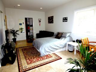 Best Deal in the Hills! High End Studio - Los Angeles vacation rentals