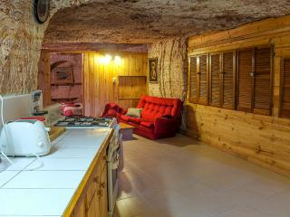 Nice Bed and Breakfast with Internet Access and Outdoor Dining Area - Coober Pedy vacation rentals