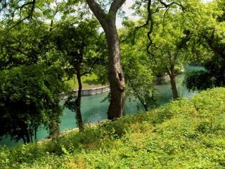 Waterfront Condo on the Comal River. - San Marcos vacation rentals