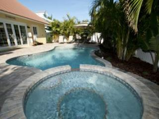 4 bedroom House with Internet Access in Holmes Beach - Holmes Beach vacation rentals