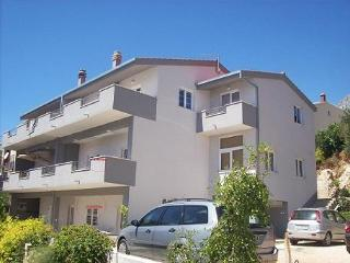 Cozy 2 bedroom Apartment in Omis - Omis vacation rentals