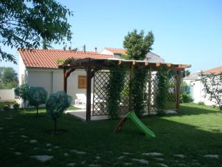 House with garden perfect for a family holiday - Central Dalmatia vacation rentals