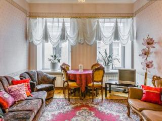 Spacious 3Bedrooms apartment in the Golden Triangle - Saint Petersburg vacation rentals