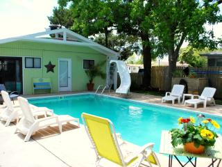 Dancing Oaks - pet friendly beach house w pool - Carolina Beach vacation rentals