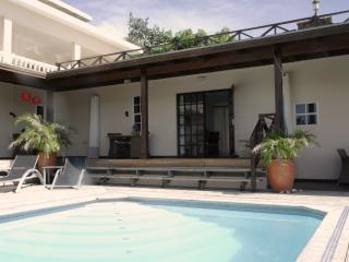 Curavilla | Luxurious double apartment & pool, 3 - Willemstad vacation rentals